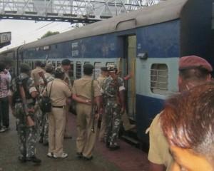 मौर्य एक्सप्रेस में लुटेरों का भीषण तांडव, दो यात्रियों की गोली मारकर हत्या
